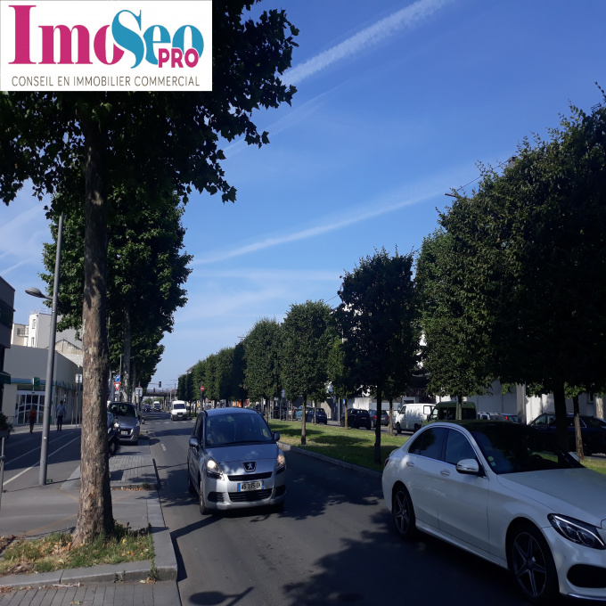 Location Immobilier Professionnel Local commercial Cenon (33150)