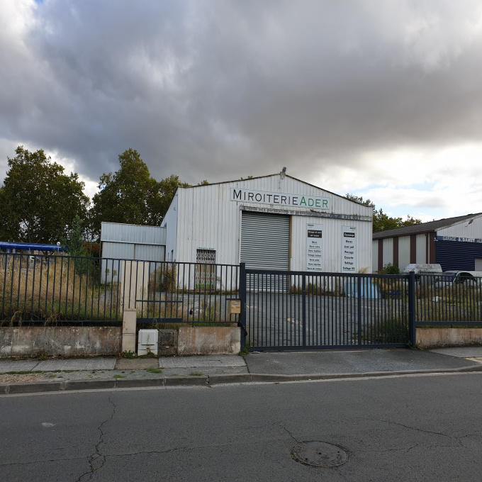 Location Immobilier Professionnel Entrepôt Bordeaux (33300)