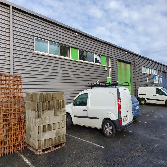 Location Immobilier Professionnel Entrepôt Yvrac (33370)